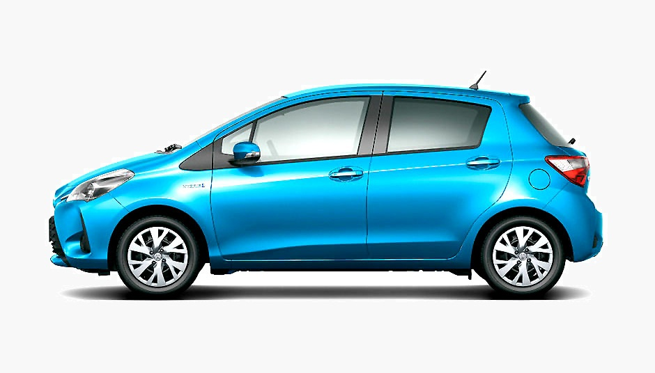 Toyota Vitz 2018 Side look in pakistan
