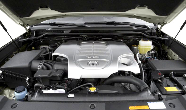 Engine Picture of Toyota Land Cruiser 2017 Luxury SUV in Pakistan