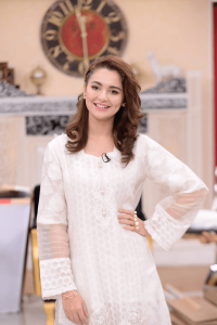 Hania Aamir Biography Height Weight Age Films Husband Affair Education & Family