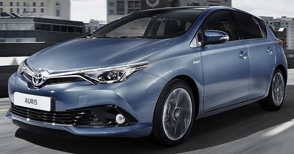 Pictures of Toyota Auris Hybrid 2018 in Pakistan