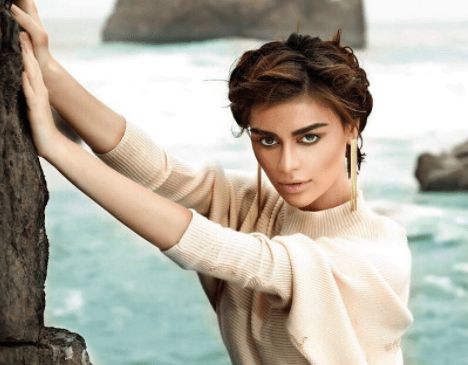 Sadaf Kanwal Bio Height Weight Age Films Spouse Affair Net Worth Body Facts & Family